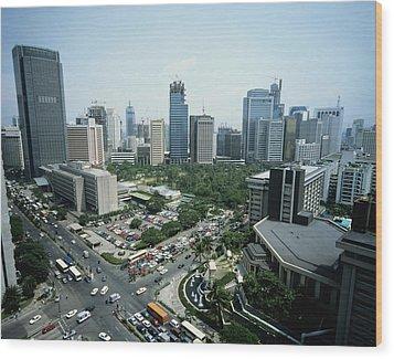 Manila Skyline Wood Print by John Wang