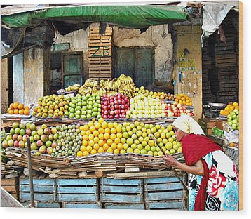 Market Of Djibuti-1 Wood Print by Jenny Senra Pampin