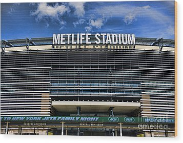 Metlife Stadium Wood Print by Paul Ward