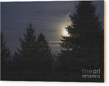 Moon Rising 01 Wood Print by Thomas Woolworth