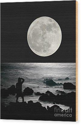 Moonrise Wood Print by Paul Topp