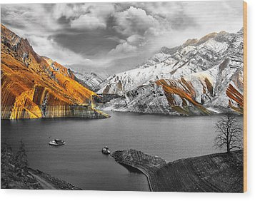 Mountains In The Valley 2 Wood Print by Sumit Mehndiratta