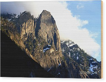 Mountains Of Yosemite . 7d6167 Wood Print by Wingsdomain Art and Photography
