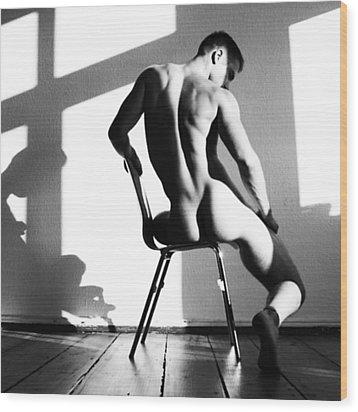 Nude Man On Chair Wood Print by Sumit Mehndiratta