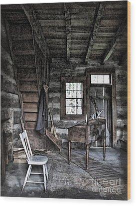 Ohio Cabin Wood Print by Joan  Minchak