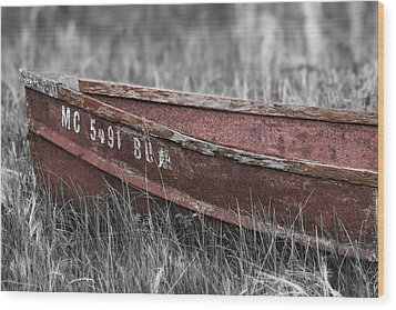 Old Boat Washed Ashore  Wood Print by Joe Gee