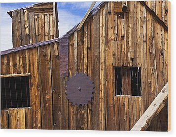 Old Building Bodie Ghost Town Wood Print by Garry Gay