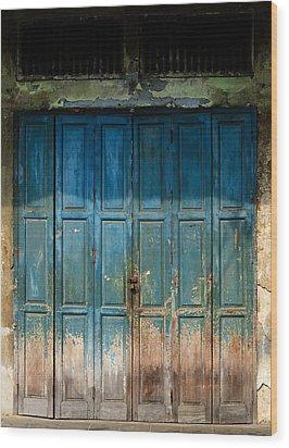 old door in China town Wood Print by Setsiri Silapasuwanchai