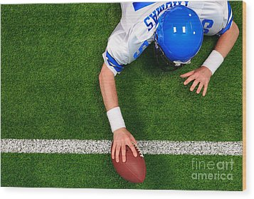 Overhead American Football Player One Handed Touchdown Wood Print by Richard Thomas