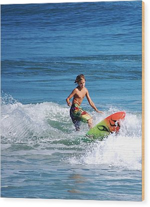 Playing In The Surf Wood Print by David Lane