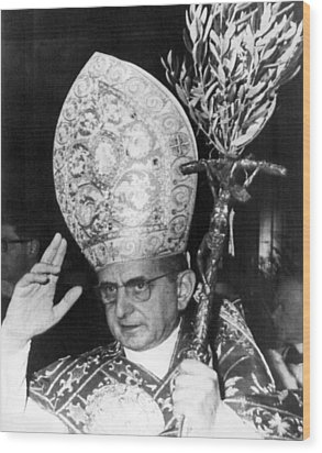 Pope Paul Vi, Blessing Crowd In St Wood Print by Everett