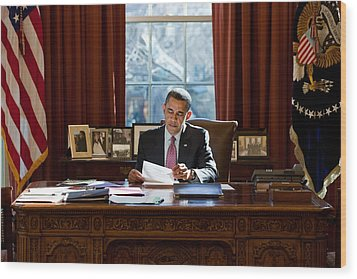 President Barack Obama Reviews Wood Print by Everett