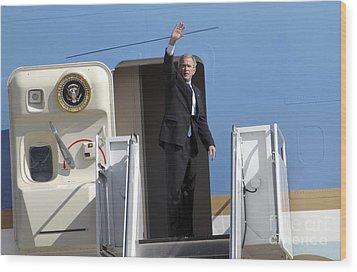 President George Bush Waves Good-bye Wood Print by Stocktrek Images