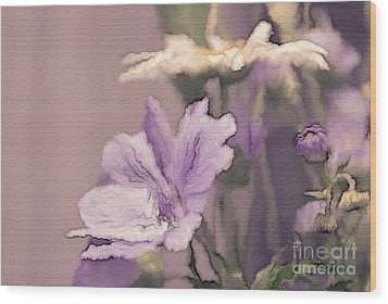 Pretty Bouquet - A05t01 Wood Print by Variance Collections