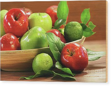Red And Green Apples In A Bowl Wood Print by Sandra Cunningham