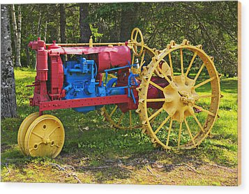 Red And Yellow Tractor Wood Print by Garry Gay