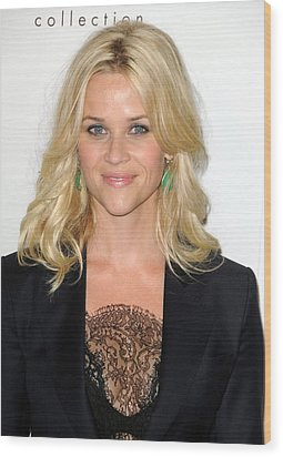 Reese Witherspoon At Arrivals For Elles Wood Print by Everett