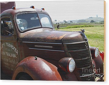 Rusty Old 1935 International Truck . 7d15509 Wood Print by Wingsdomain Art and Photography