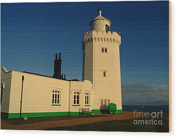 South Foreland Lighthouse Wood Print by Serena Bowles