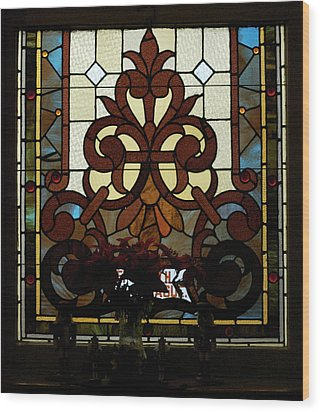 Stained Glass Lc 16 Wood Print by Thomas Woolworth