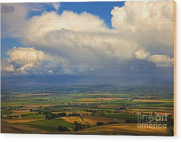 Storm Over The Kittitas Valley Wood Print by Mike  Dawson