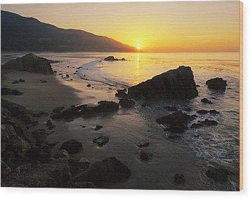 Sunrise At Leo Wood Print by Ron Regalado