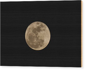 Super Moon 2011 Wood Print by Lara Ellis