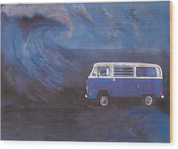 surf Bus Wood Print by Sharon Poulton