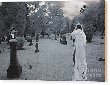 Surreal Gothic Spooky Grim Reaper And Skull Wood Print by Kathy Fornal