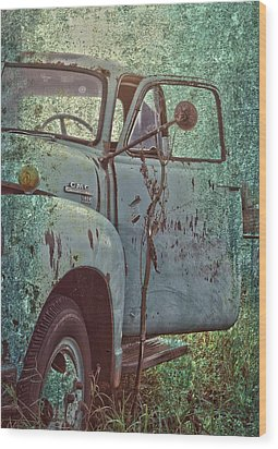 Tailgate Date  Wood Print by Jerry Cordeiro
