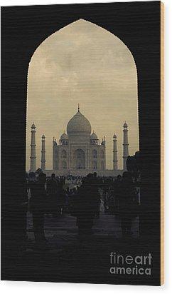 Taj Mahal Wood Print by Inhar Mutiozabal