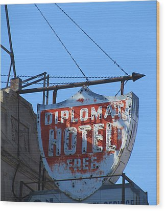 The Diplomat Hotel Chicago Wood Print by Todd Sherlock