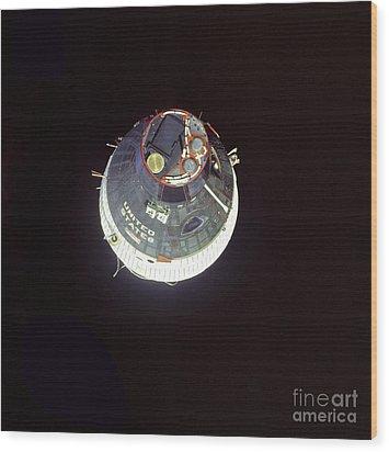 The Gemini 7 Spacecraft Wood Print by Stocktrek Images