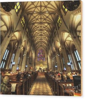 Trinity Church Nyc Wood Print by Yhun Suarez