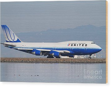 United Airlines Jet Airplane At San Francisco International Airport Sfo . 7d12006 Wood Print by Wingsdomain Art and Photography