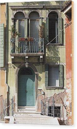 Venetian Doorway Wood Print by Carla Parris
