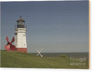 Vermilion Lighthouse - 1287 Wood Print by Chuck Smith