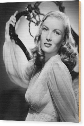 Veronica Lake, Paramount Pictures Wood Print by Everett