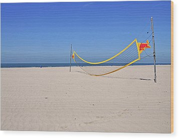 Volleyball Net On Beach Wood Print by Leuntje