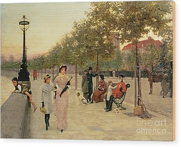 Walk Along The Embankment At Chelsea Wood Print by Frederick Brown