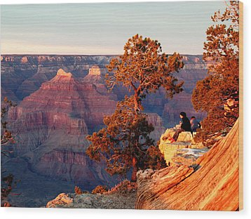 Watching The Sun Set On The Grand Canyon Wood Print by Cindy Wright
