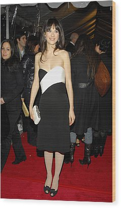 Zooey Deschanel At Arrivals For Failure Wood Print by Everett