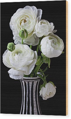 White Ranunculus In Black And White Vase Wood Print by Garry Gay