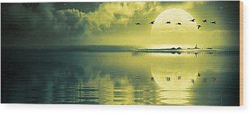 Fullmoon Over The Ocean Wood Print by Jaroslaw Grudzinski