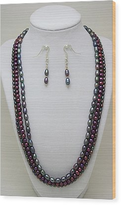 3562 Triple Strand Freshwater Pearl Necklace Set Wood Print by Teresa Mucha
