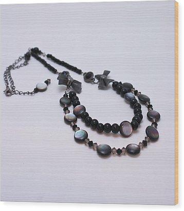 3587 Fun Gunmetal Necklace  Wood Print by Teresa Mucha
