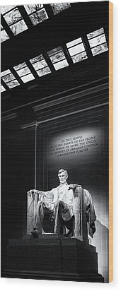 Abraham Lincoln Seated Wood Print by Andrew Soundarajan