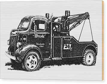 Antique Tow Truck Wood Print by Sheryl Unwin
