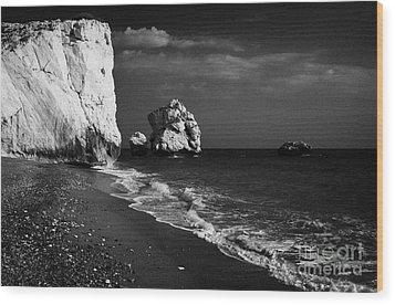 Aphrodites Rock Petra Tou Romiou Republic Of Cyprus Wood Print by Joe Fox