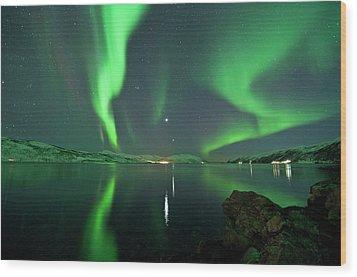 Aurora Borealis Wood Print by Bernt Olsen